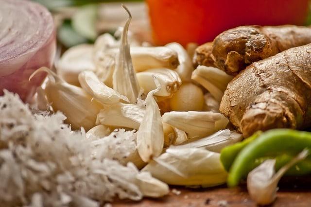 ingefær og hvidløg til gulerodssuppe